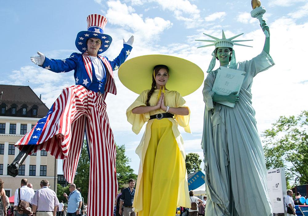 Schöne Kostüme und Figuren für alle Länderthemen USA und China, Deutschland (Bavaria), Italien (Colori Veneziani)